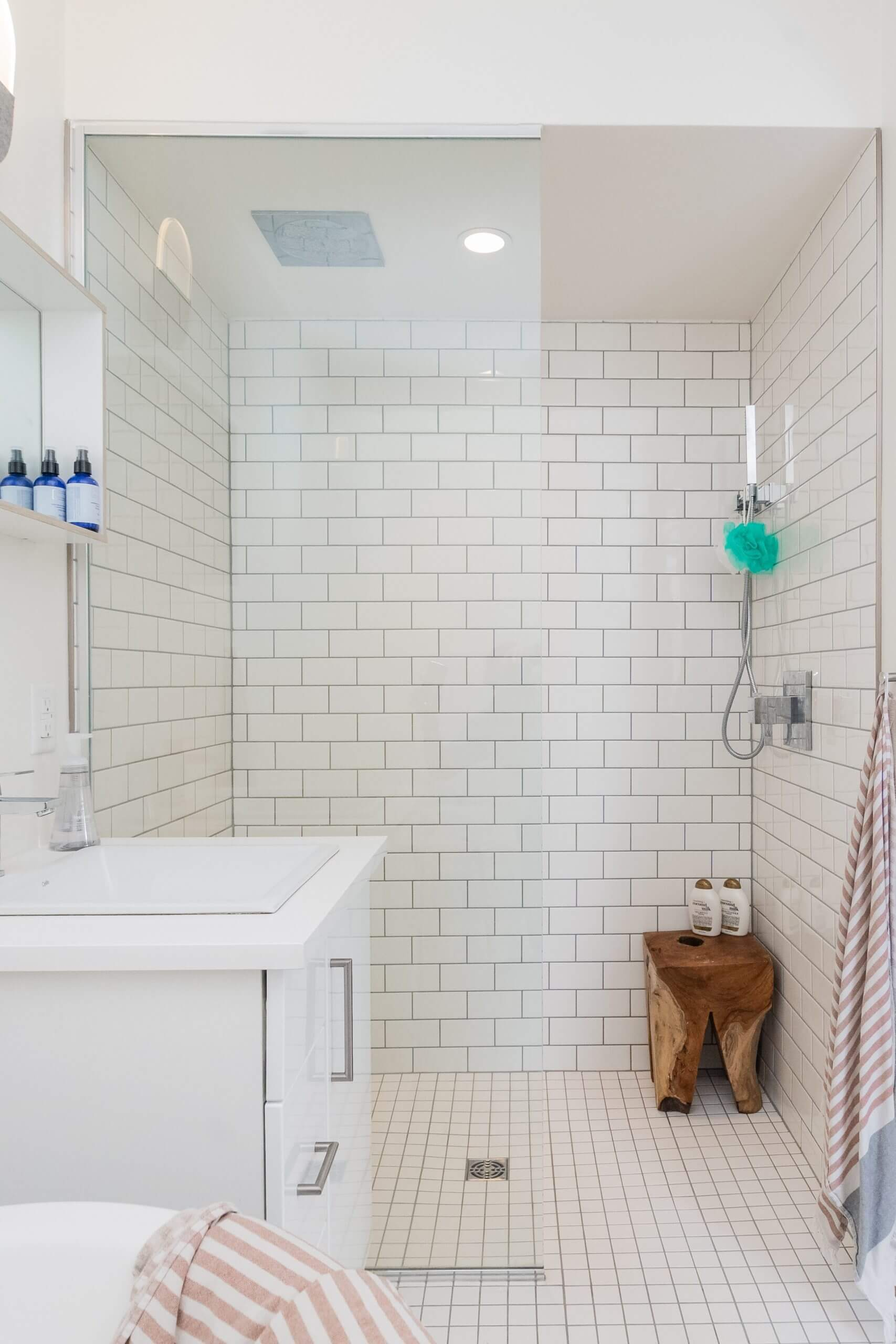 Montreal bathroom reno specialists in tapware